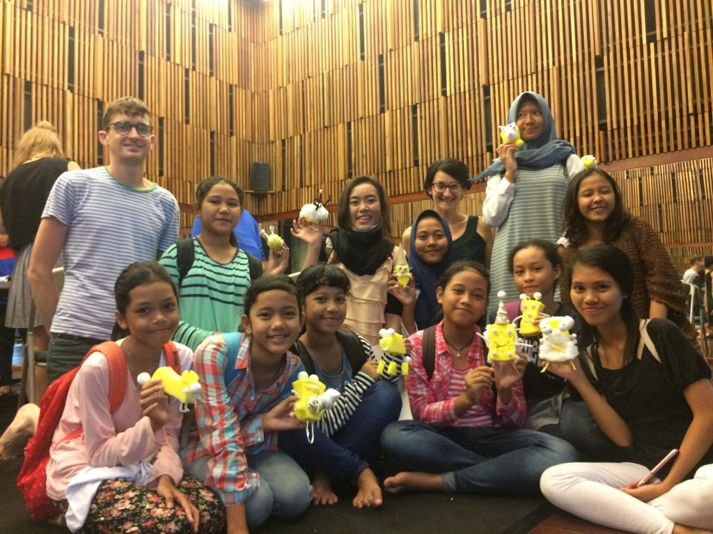 Teater Anak Studiohanafi Ikuti Workshop Lief in Materials dengan Tim Spooner